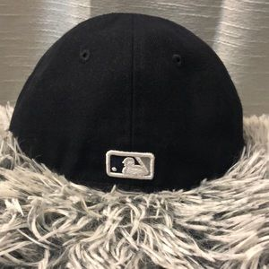 7726e289fe39a New Era Accessories - New York Yankees Infant Fitted Hat Size 6